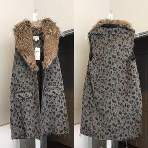 Jackets & Blazers - Leopard Print Faux Fur Vest